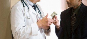 Онколог, специјалист за рак, проговори за измамите во врска со оваа болест во научните кругови!