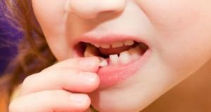 Зашто треба да се чуваат млечните заби на децата! Неверојатно откритие!
